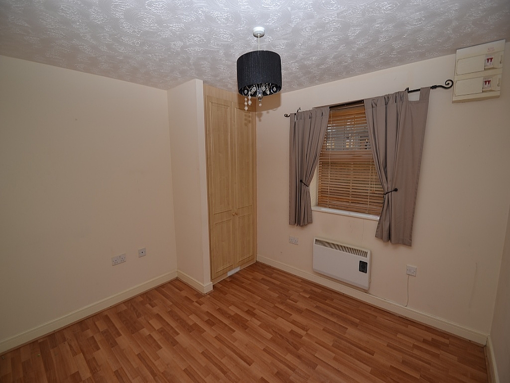 2 Bedroom Ground Floor Flat/apartment For Sale - Photograph