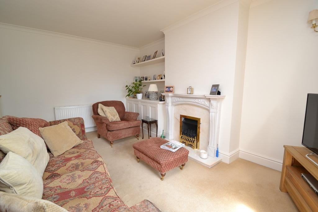 2 Bedroom Semi-detached Bungalow For Sale - Photograph 3