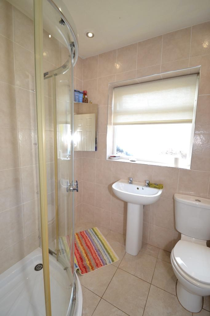 2 Bedroom Semi-detached Bungalow For Sale - Photograph 9