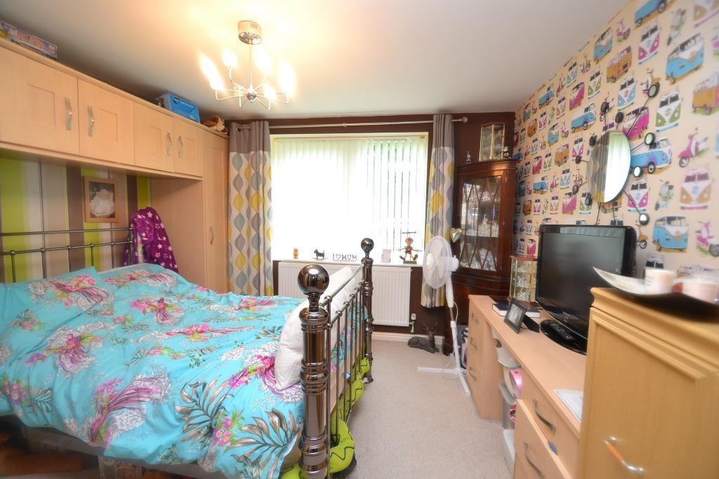 2 Bedroom Ground Floor Flat/apartment For Sale - 4