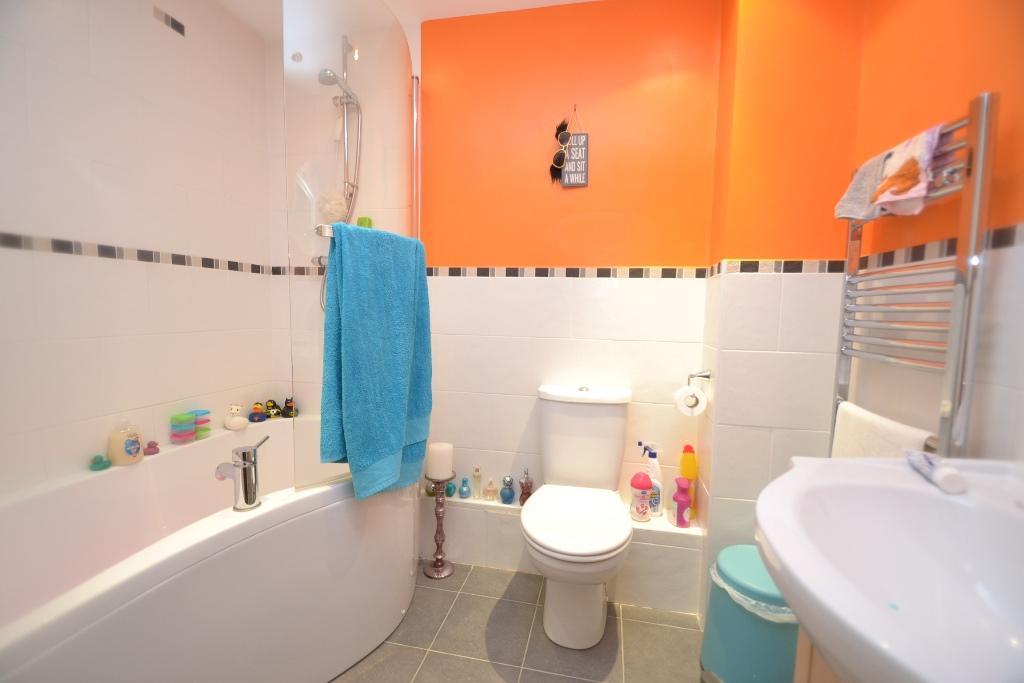 2 Bedroom Ground Floor Flat/apartment For Sale - 7
