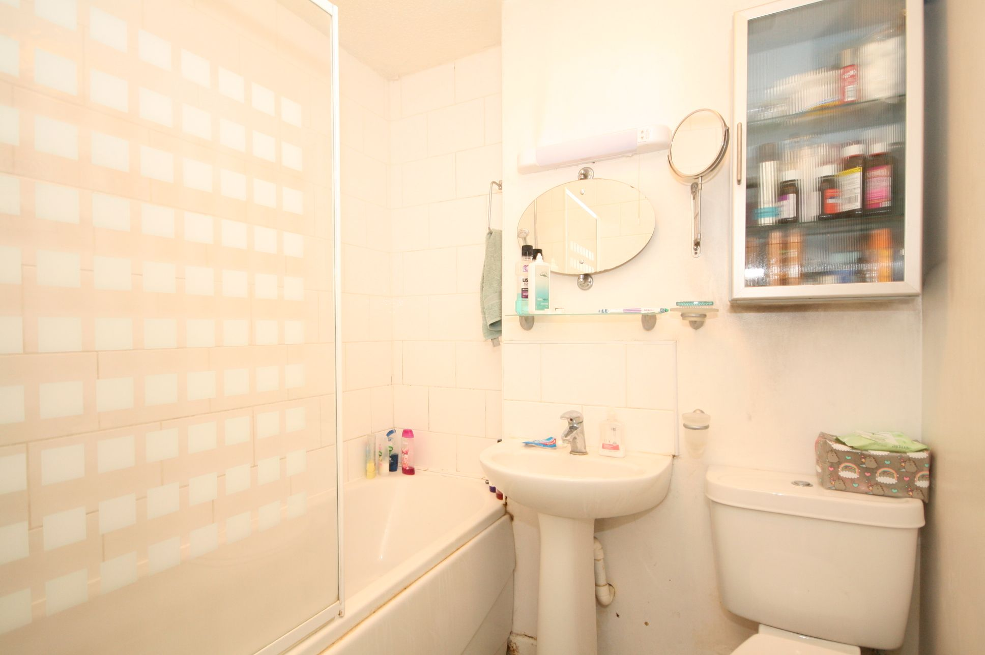 2 Bedroom Ground Floor Flat/apartment To Rent - Photograph 5