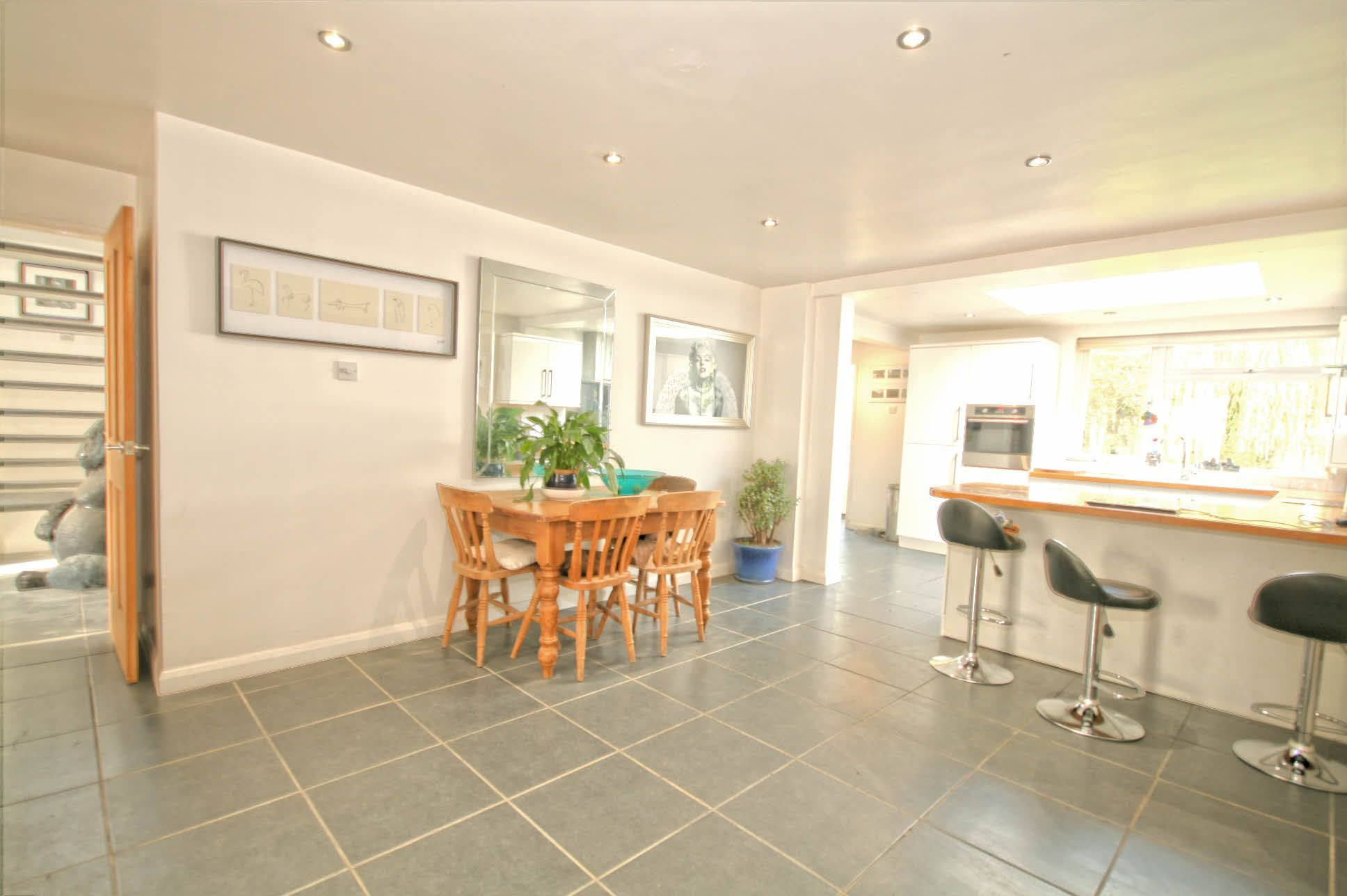 4 Bedroom Detached House For Sale - Photograph 4