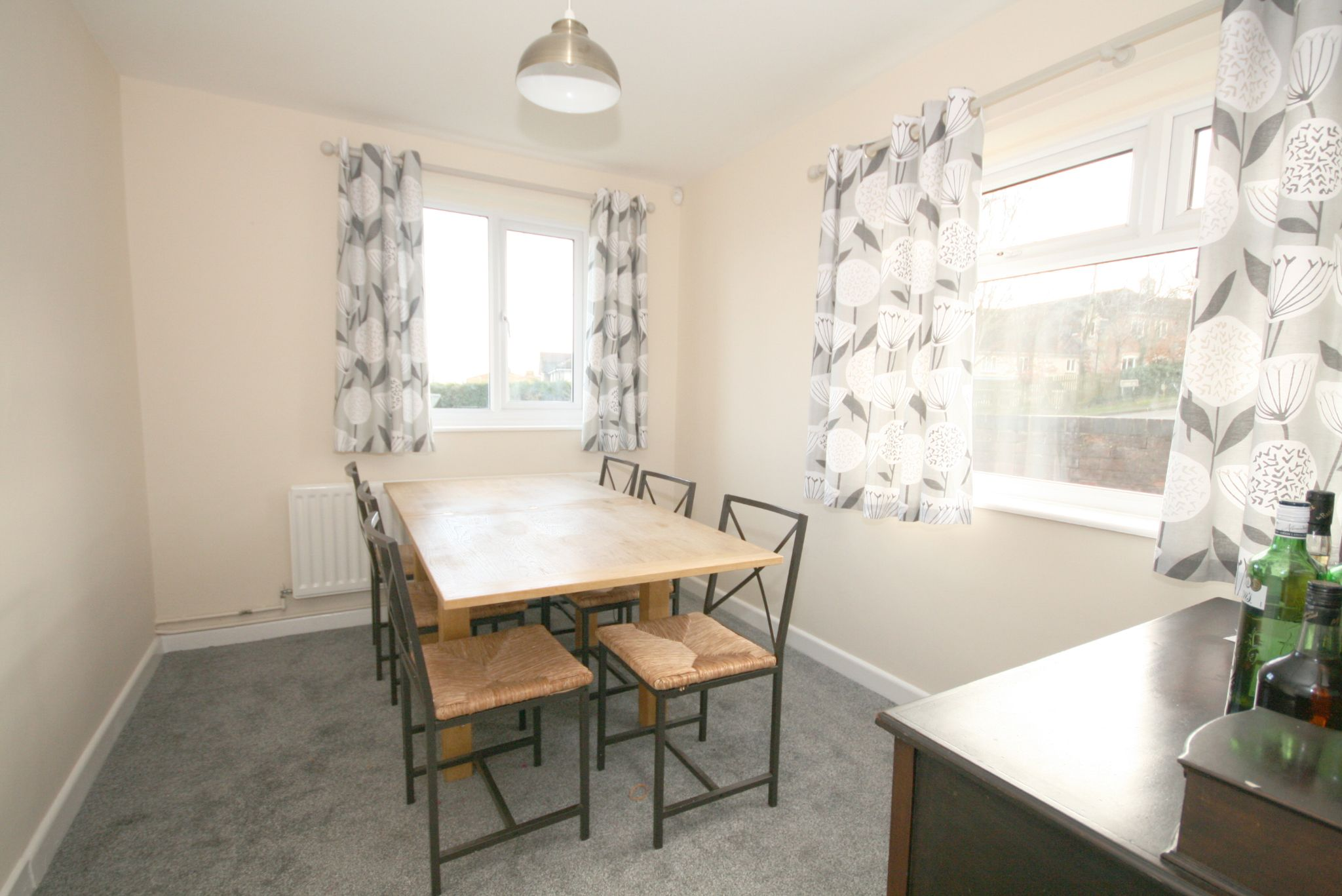 3 Bedroom Detached Bungalow For Sale - Photograph 4