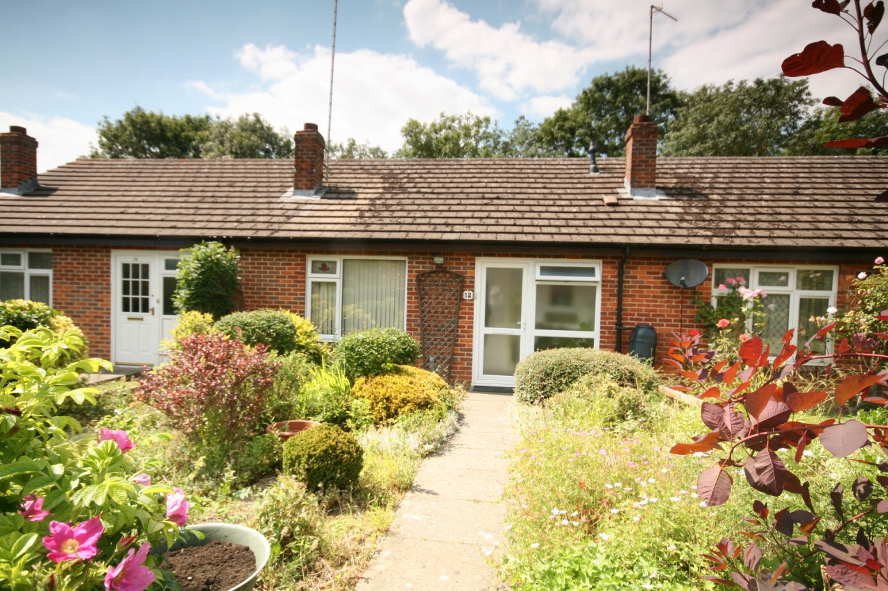 1 Bedroom Terraced Bungalow For Sale - Photograph 1