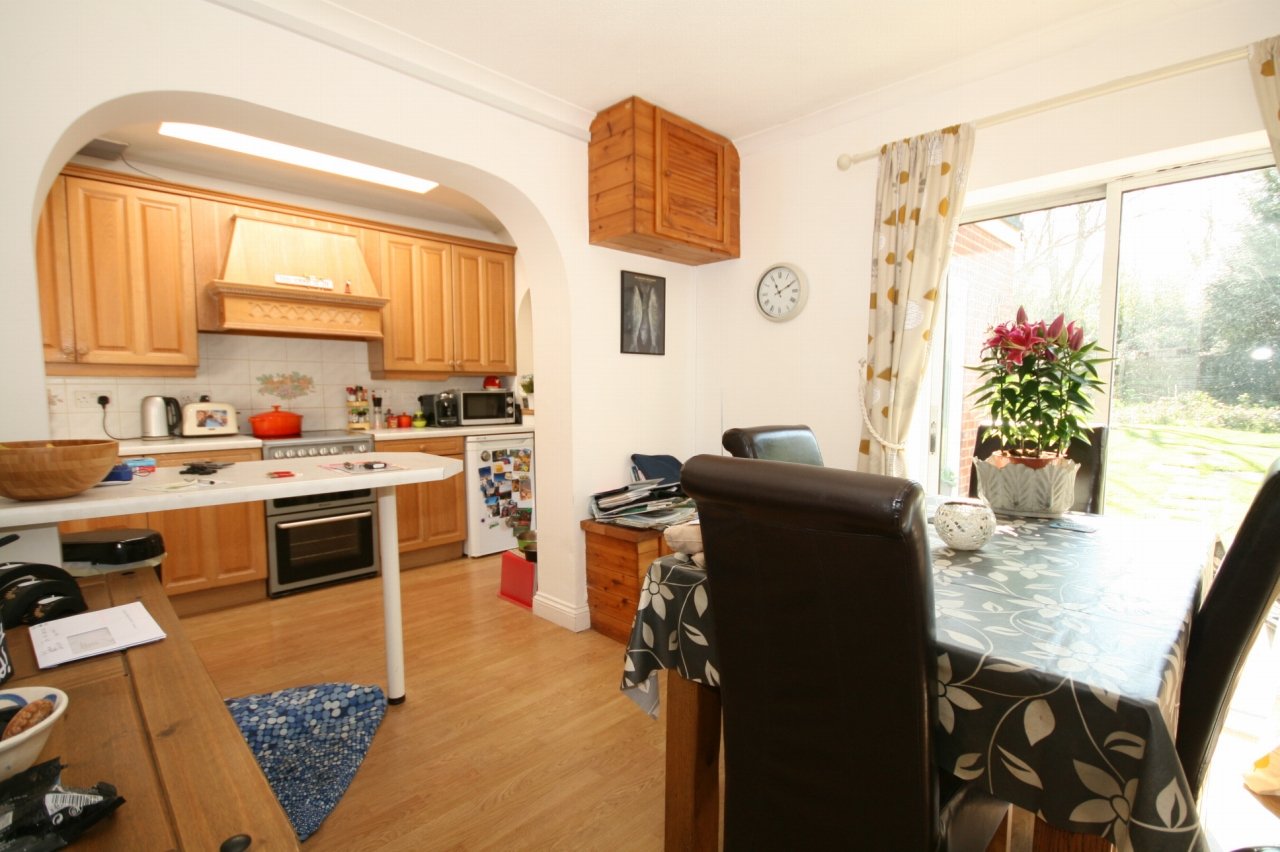 4 Bedroom Barn Conversion House For Sale - Photograph 4