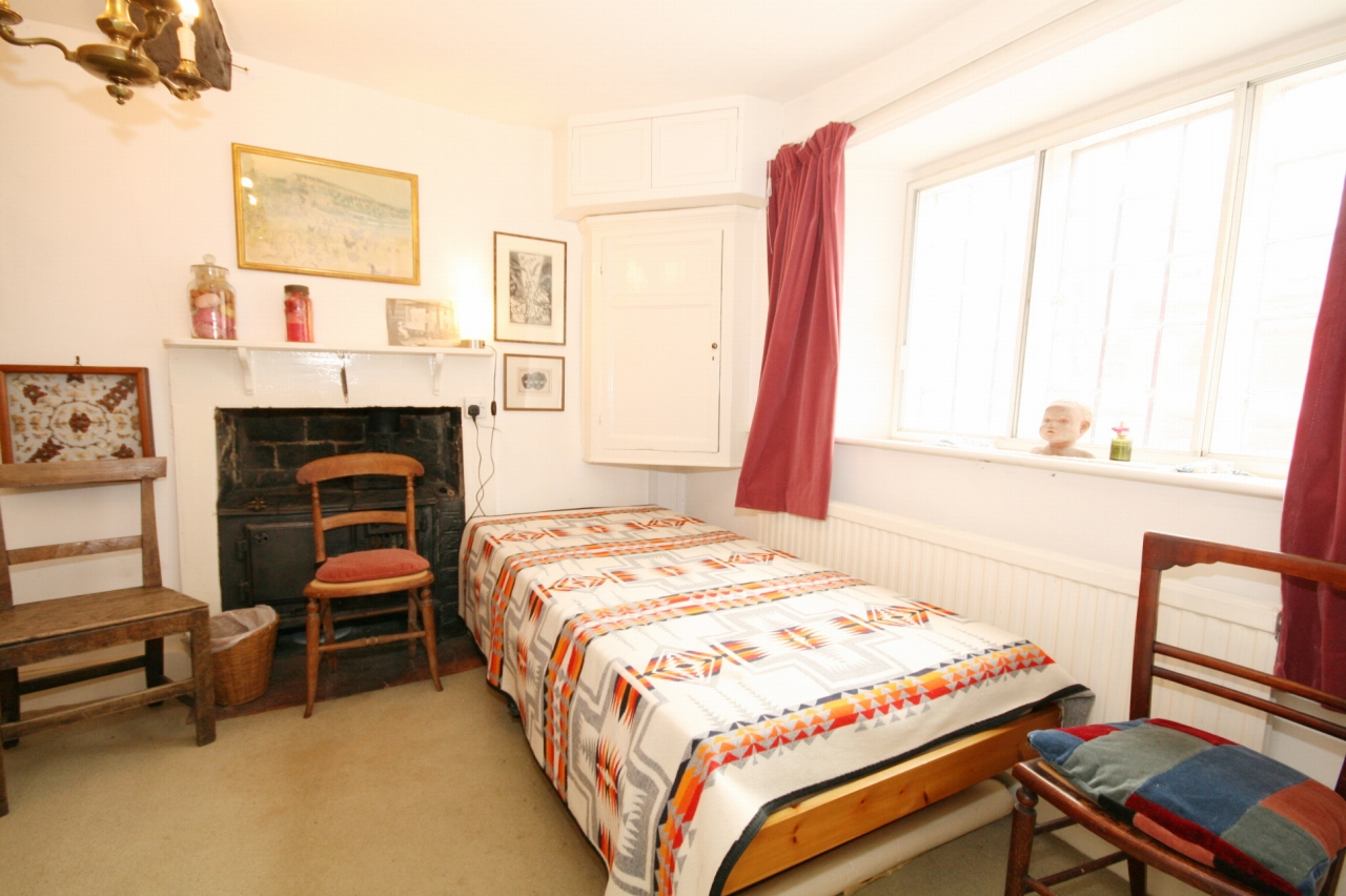 4 Bedroom Cottage House For Sale - Photograph 5