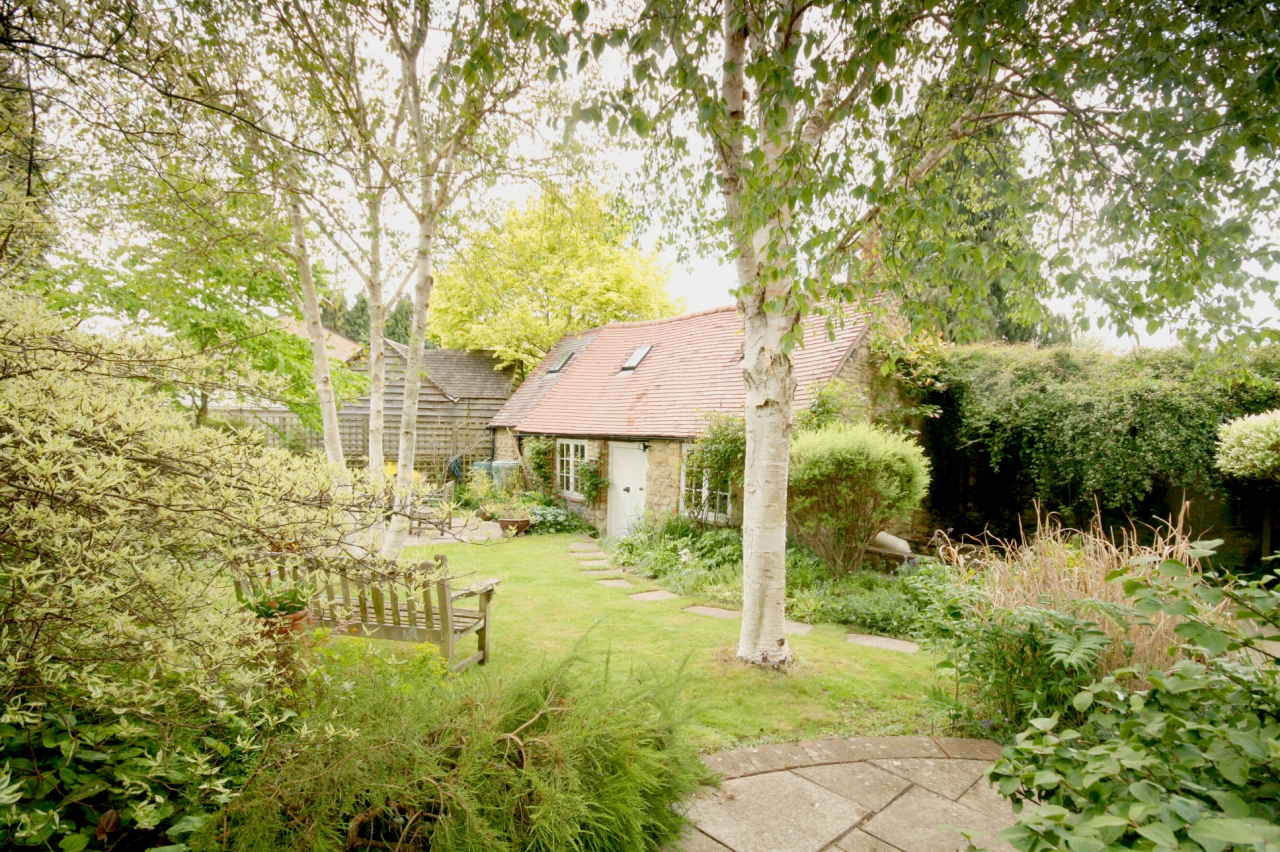 4 Bedroom Cottage House For Sale - The Little House