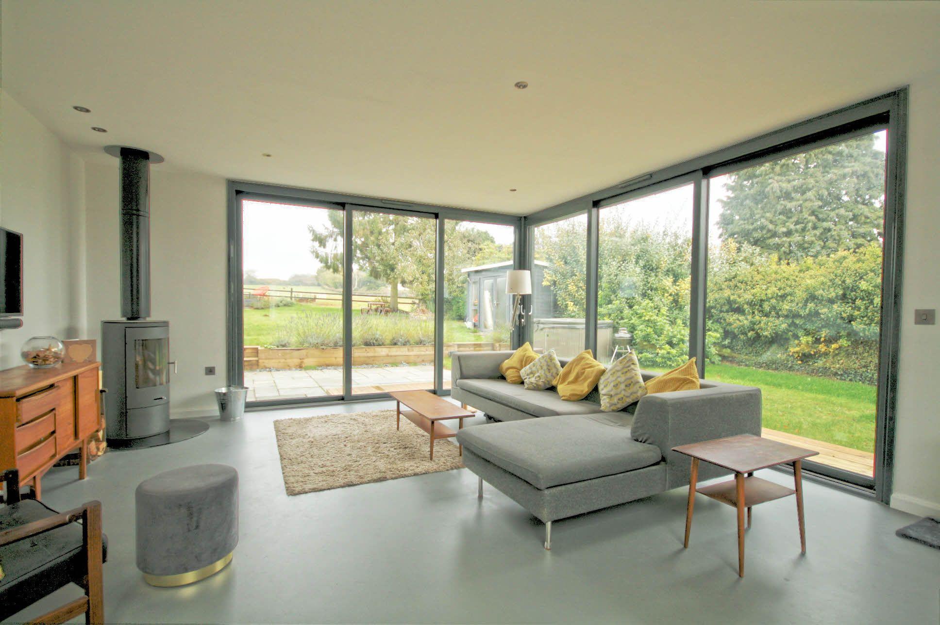 4 Bedroom Detached House For Sale - Sitting Room
