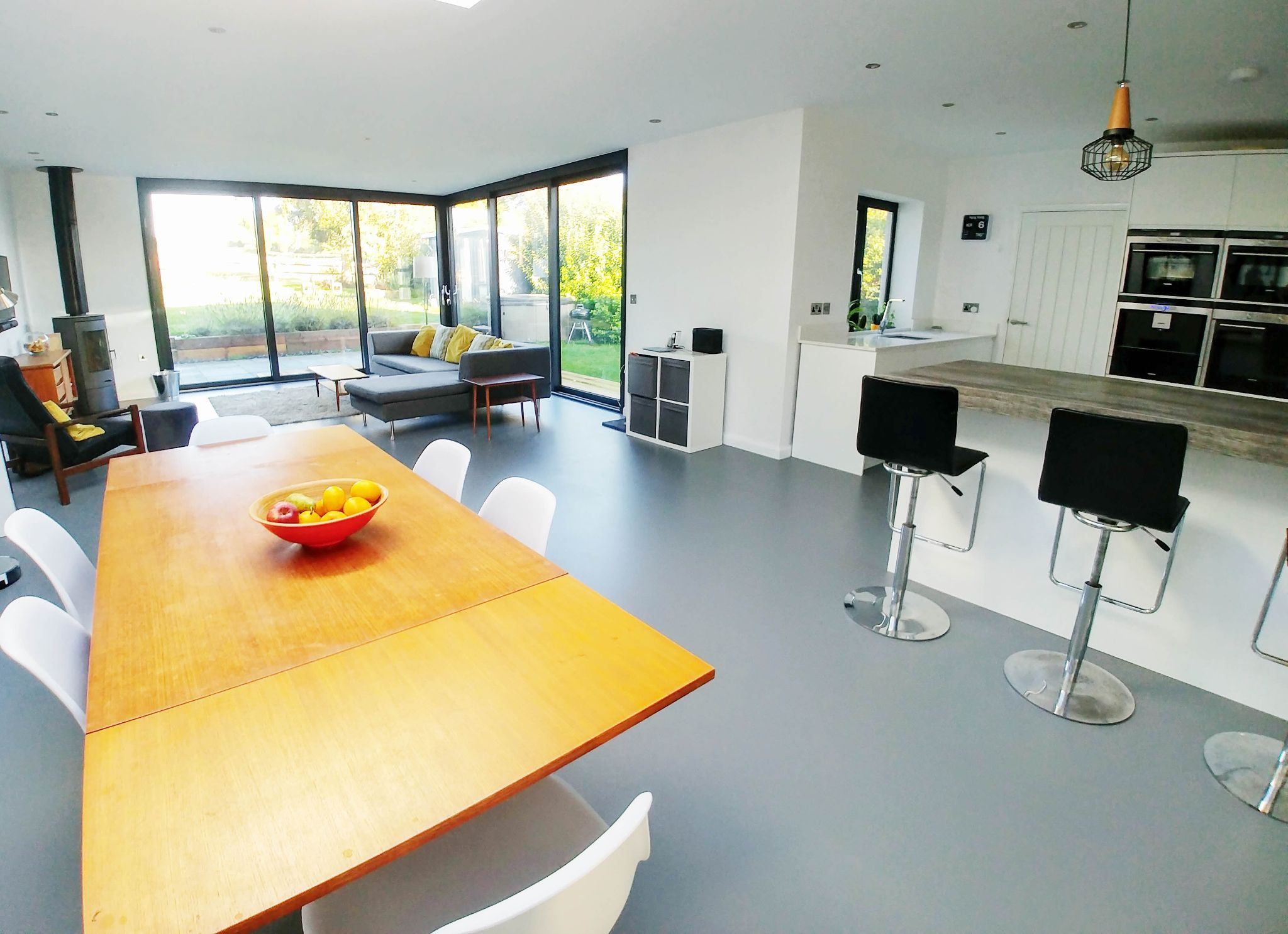 4 Bedroom Detached House For Sale - Open-plan dining area