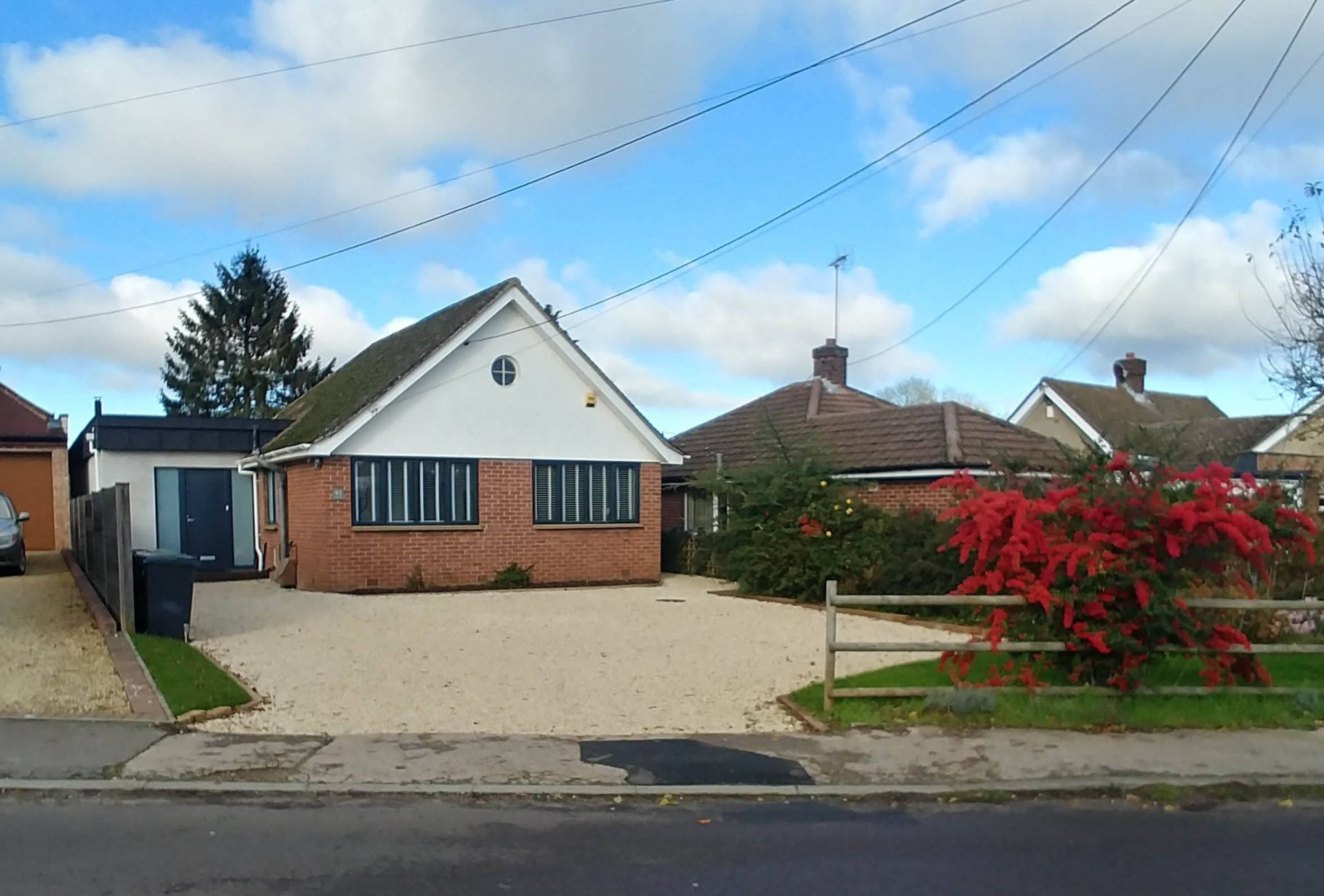 4 Bedroom Detached House For Sale - From the street