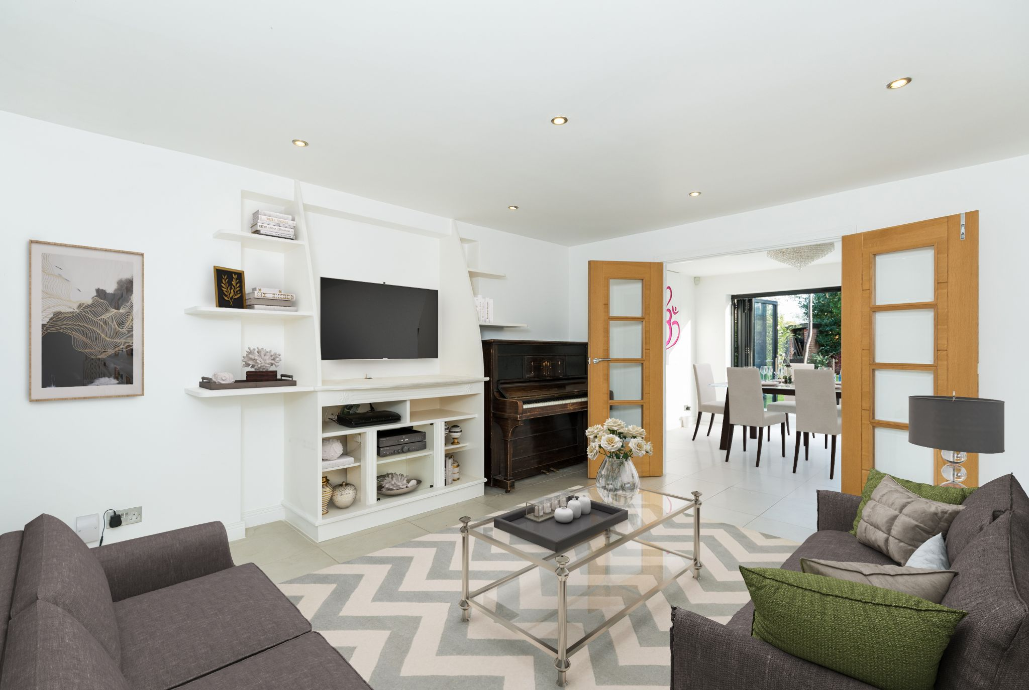 5 Bedroom Detached House For Sale - Sitting room