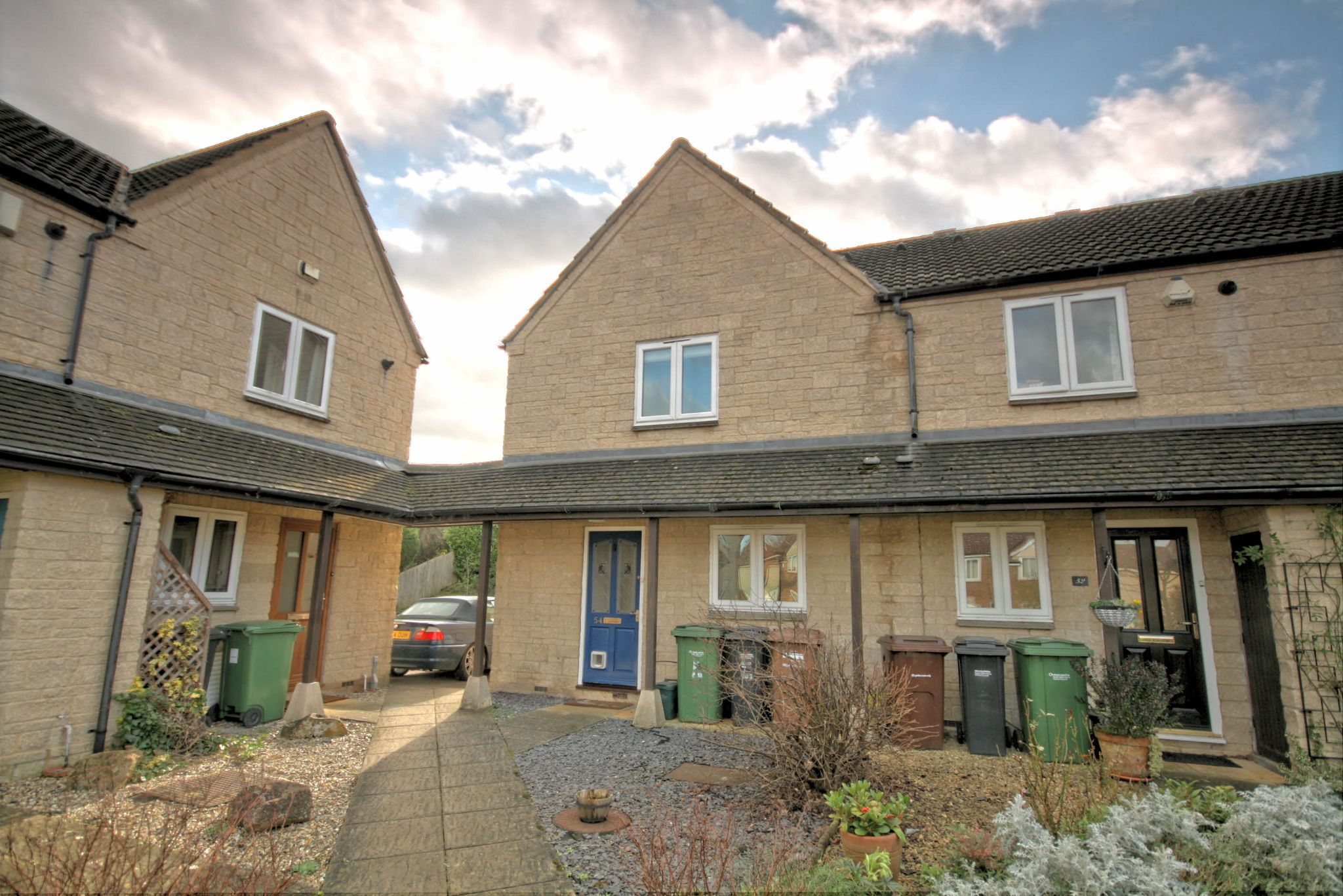 3 Bedroom End Terraced House For Sale - Front view