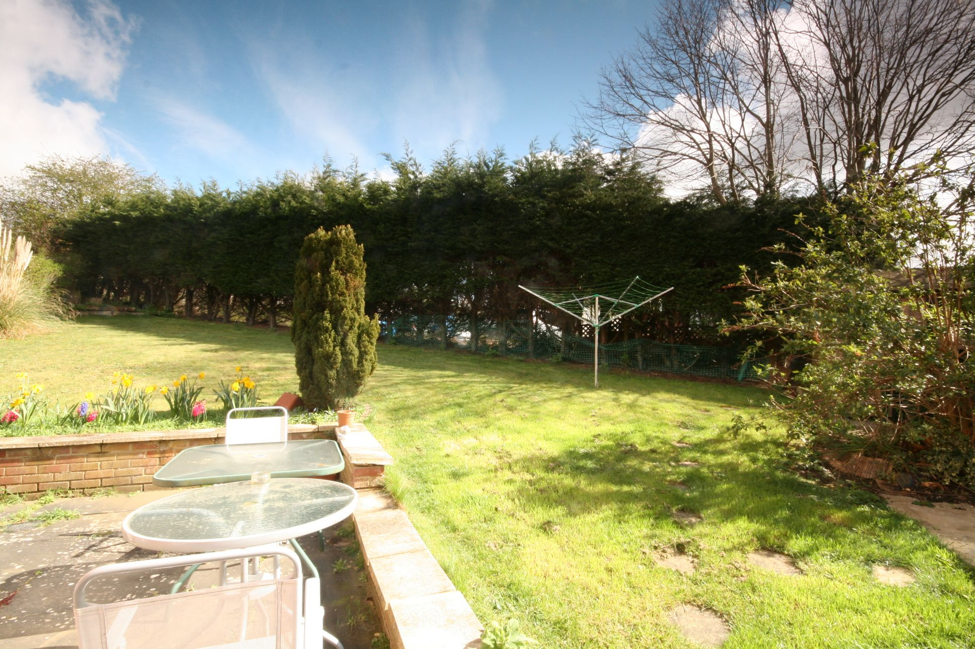 2 Bedroom Semi-detached House For Sale - Photograph 2