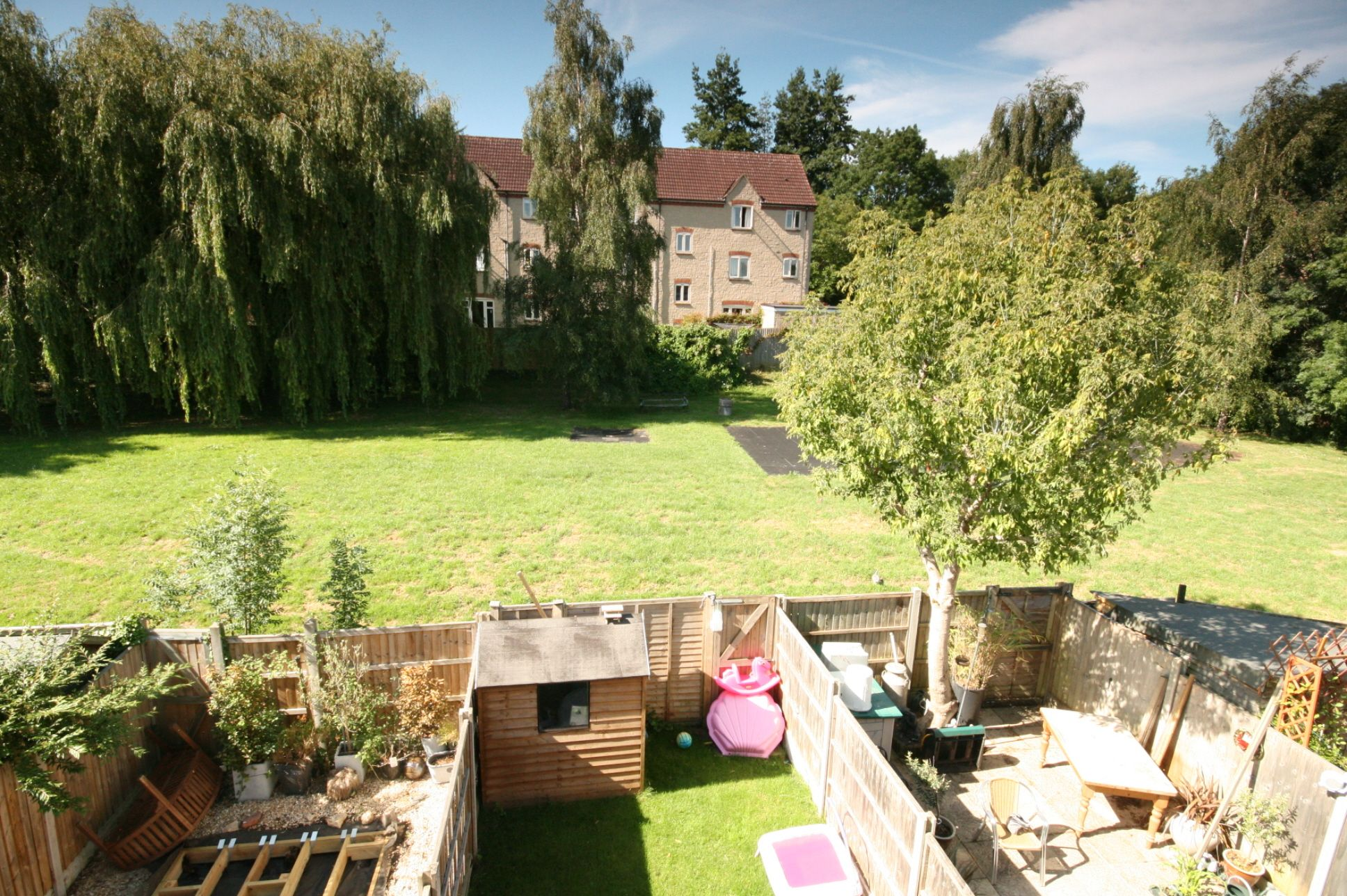 4 Bedroom Town House For Sale - Photograph 8