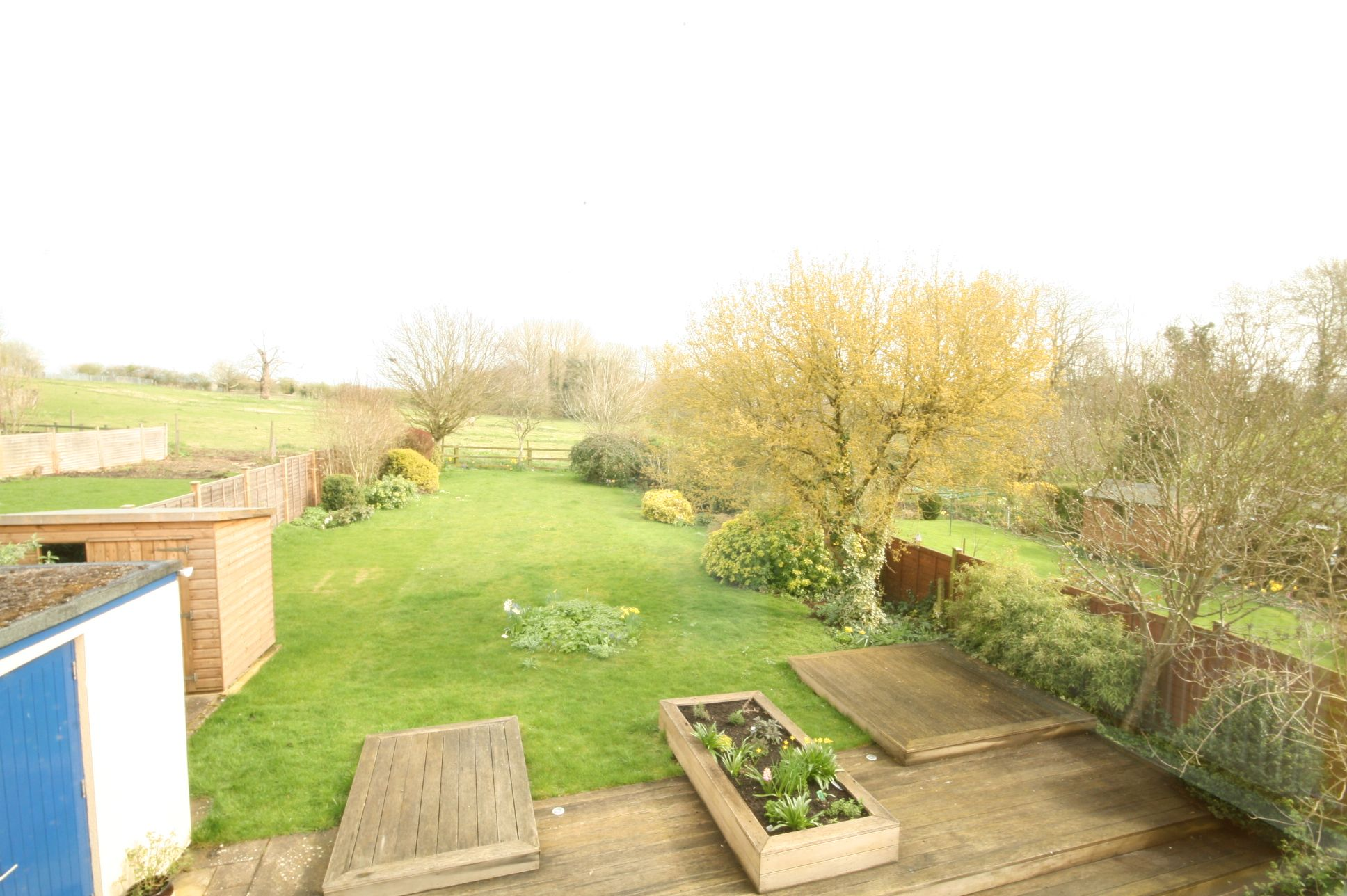 5 Bedroom Detached House To Rent - Photograph 13