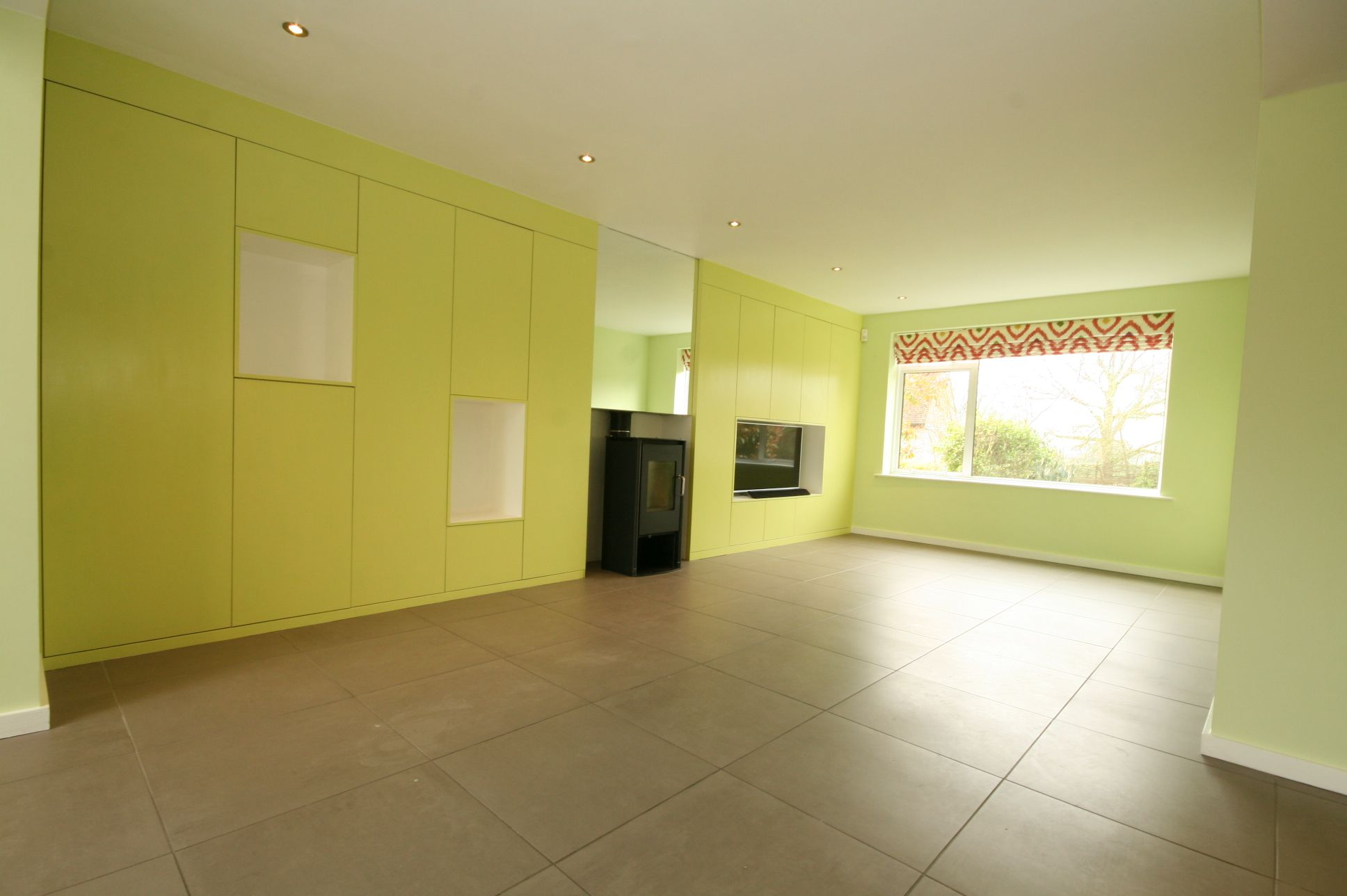 5 Bedroom Detached House To Rent - Photograph 5