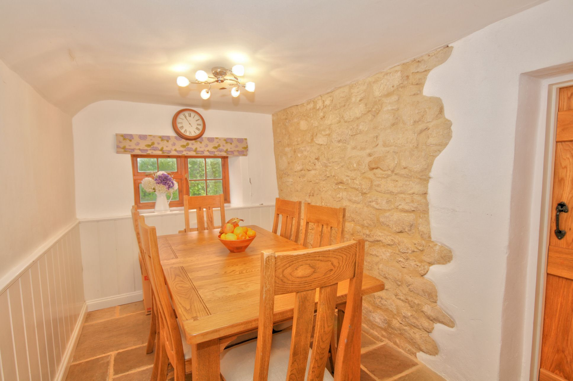 4 Bedroom Cottage House For Sale - Photograph 4