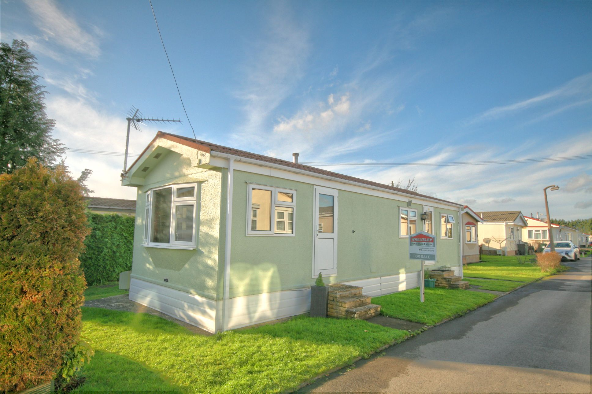 1 Bedroom Park Home House For Sale - Photograph 1