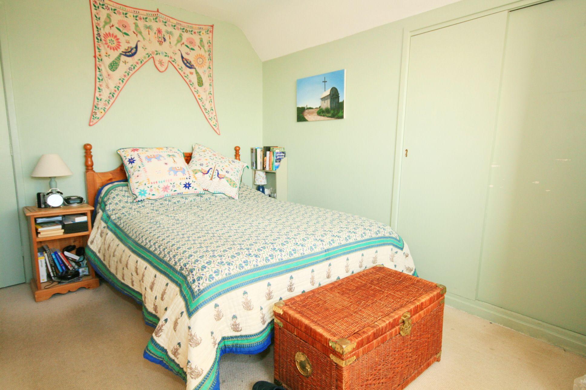 4 Bedroom Detached Bungalow For Sale - Photograph 16