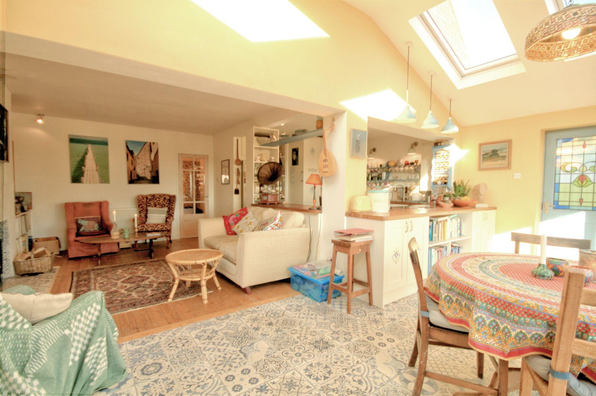 4 Bedroom Detached Bungalow For Sale - Photograph 4
