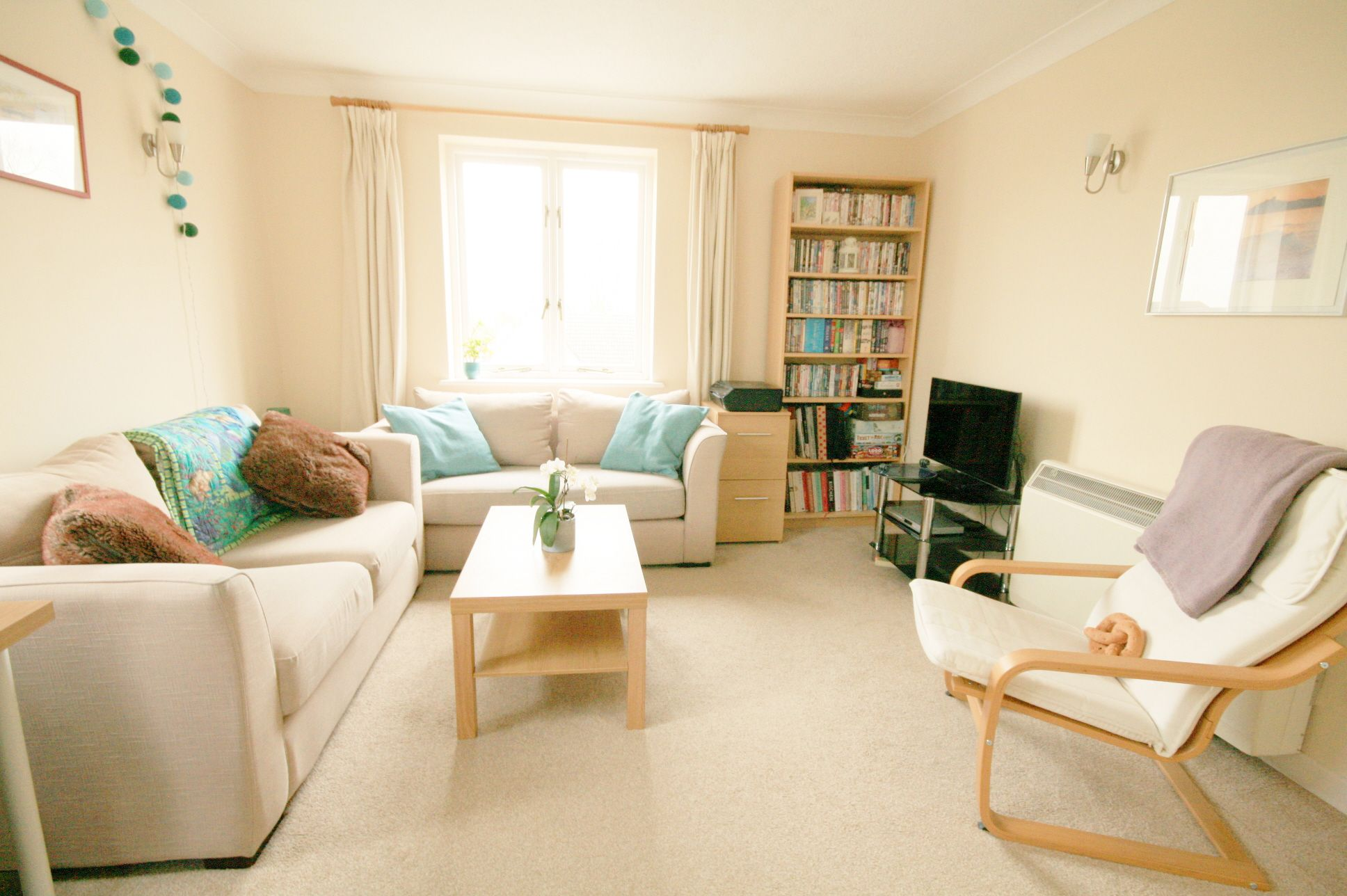1 Bedroom Apartment Flat/apartment For Sale - Photograph 3