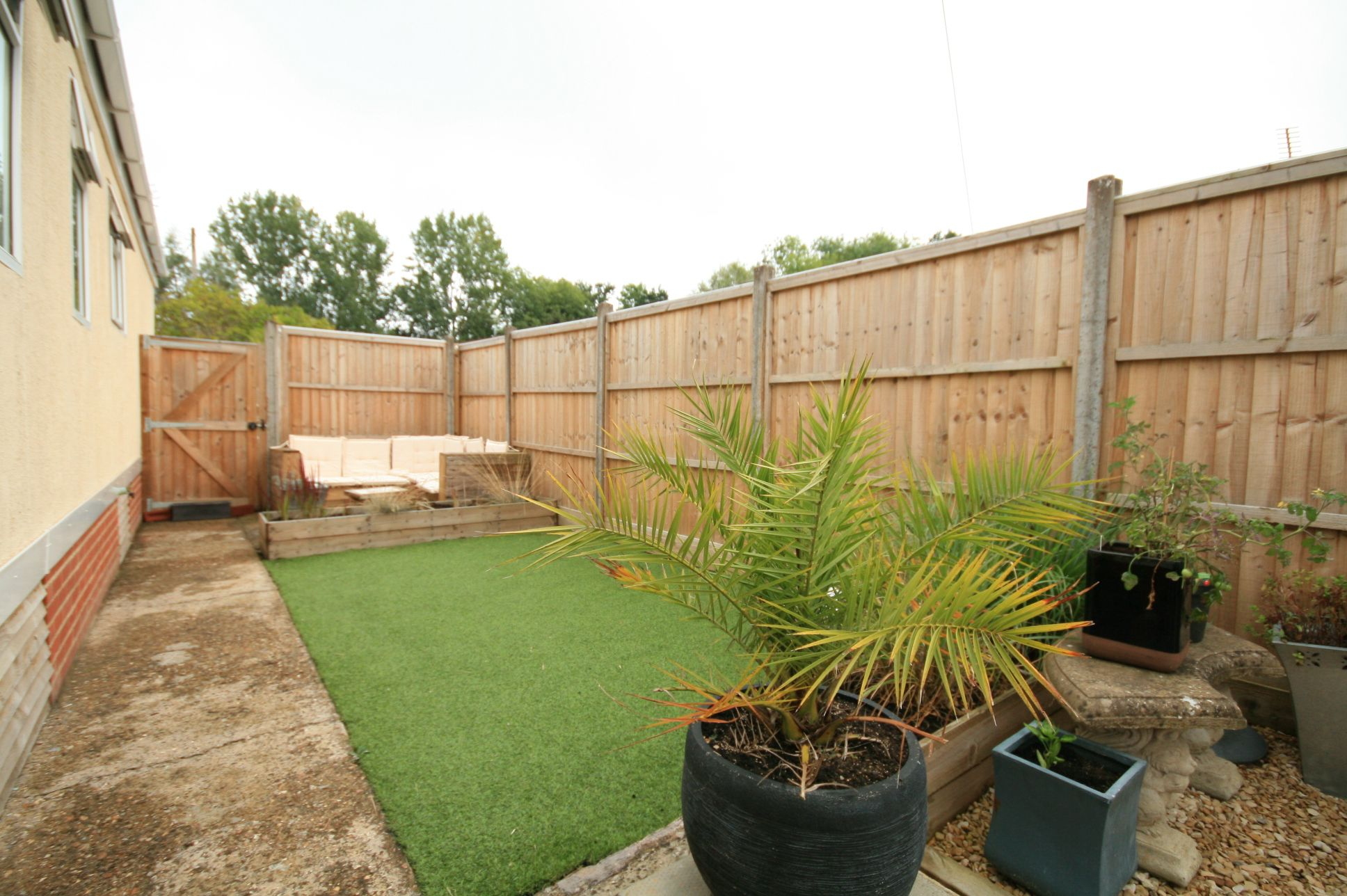 2 Bedroom Park Home House For Sale - Photograph 7