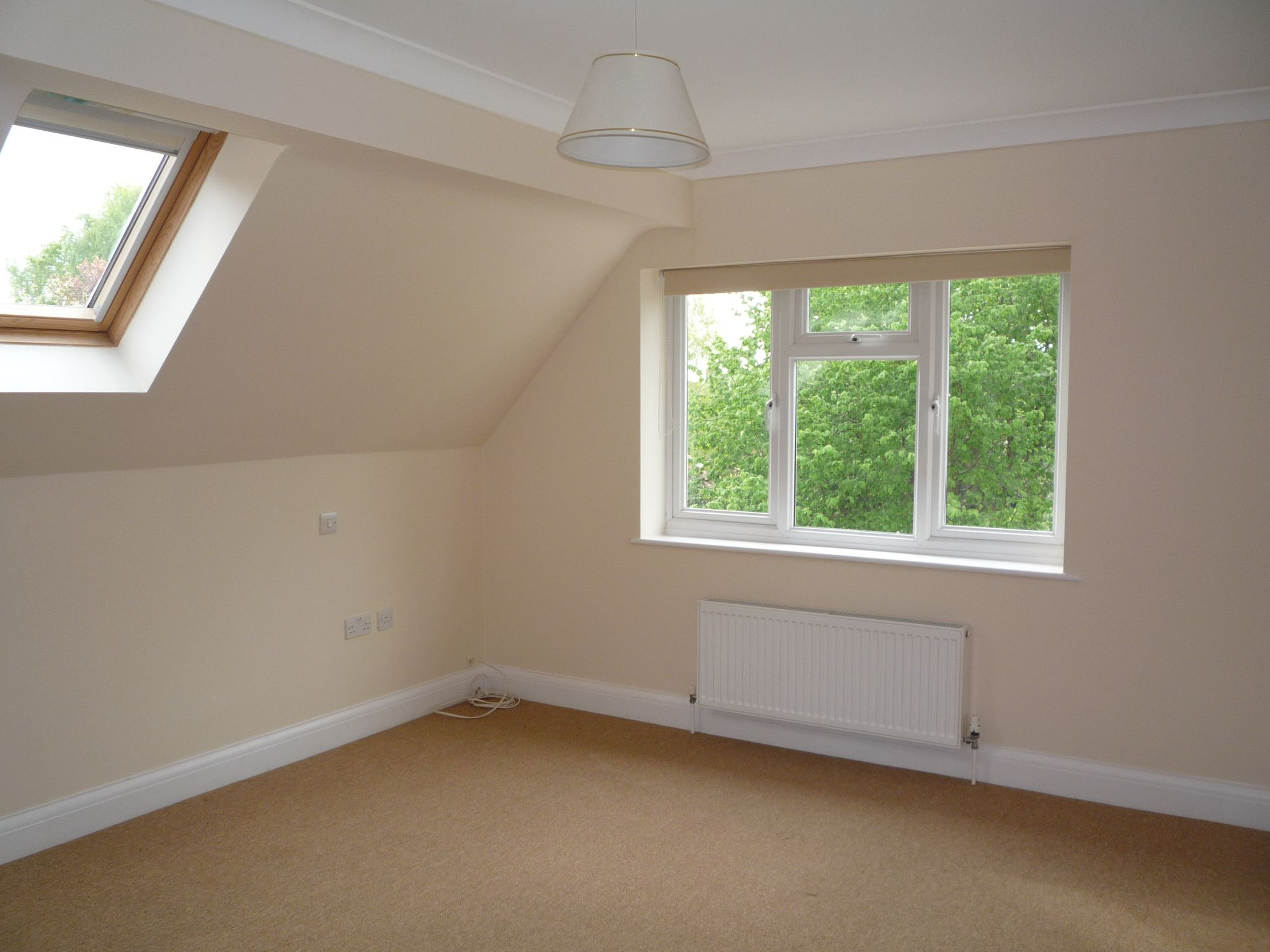 4 Bedroom Detached House To Rent - Photograph 8