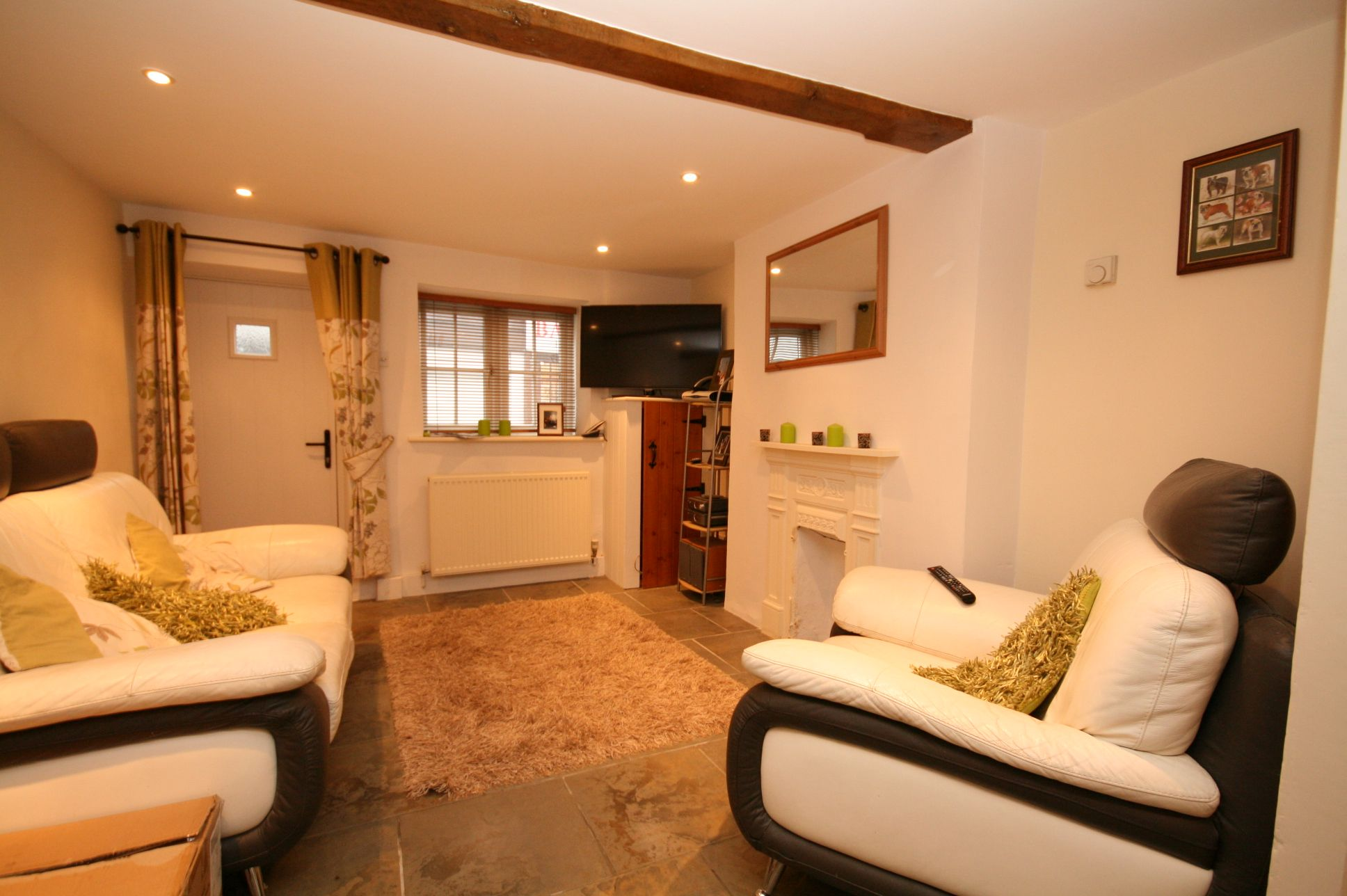 1 Bedroom Cottage House To Rent - Photograph 3