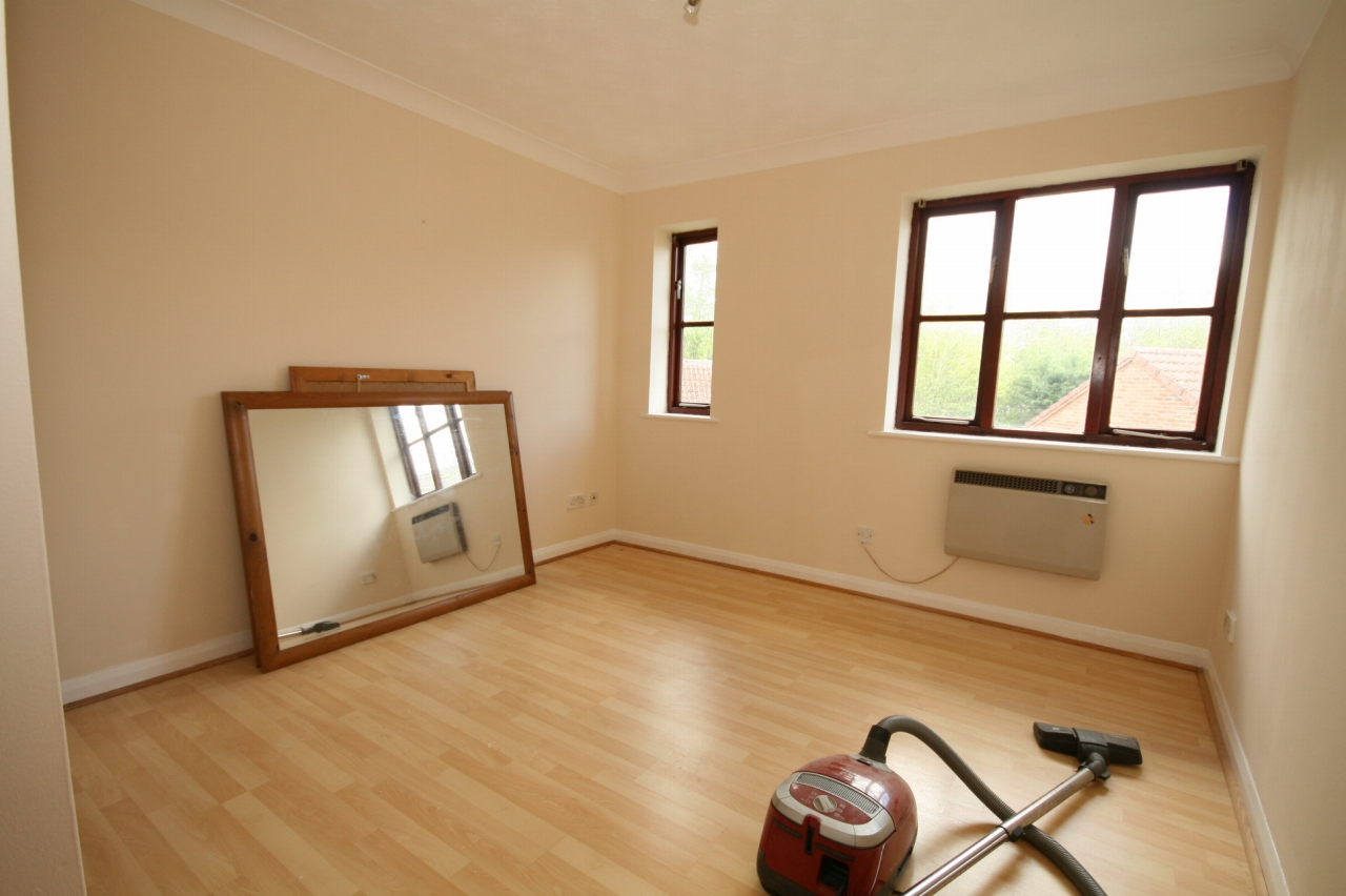 1 Bedroom Apartment Flat/apartment To Rent - Photograph 4