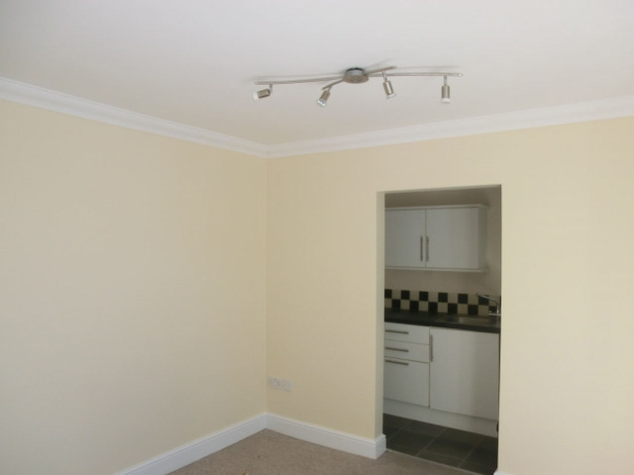 1 bedroom apartment flat/apartment Reserved in Southampton - Photograph 3
