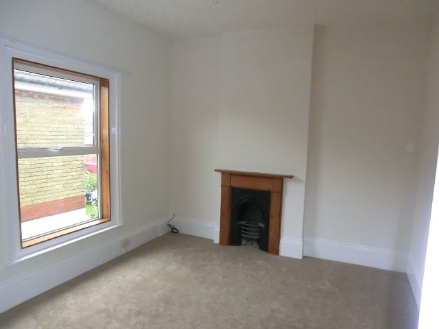3 bedroom apartment flat/apartment Let in Southampton - Property photograph