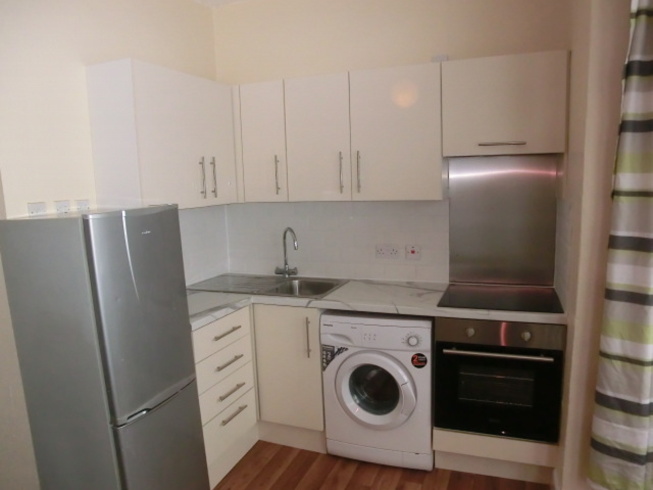 Apartment Flat/apartment Let in Southampton - Property photograph