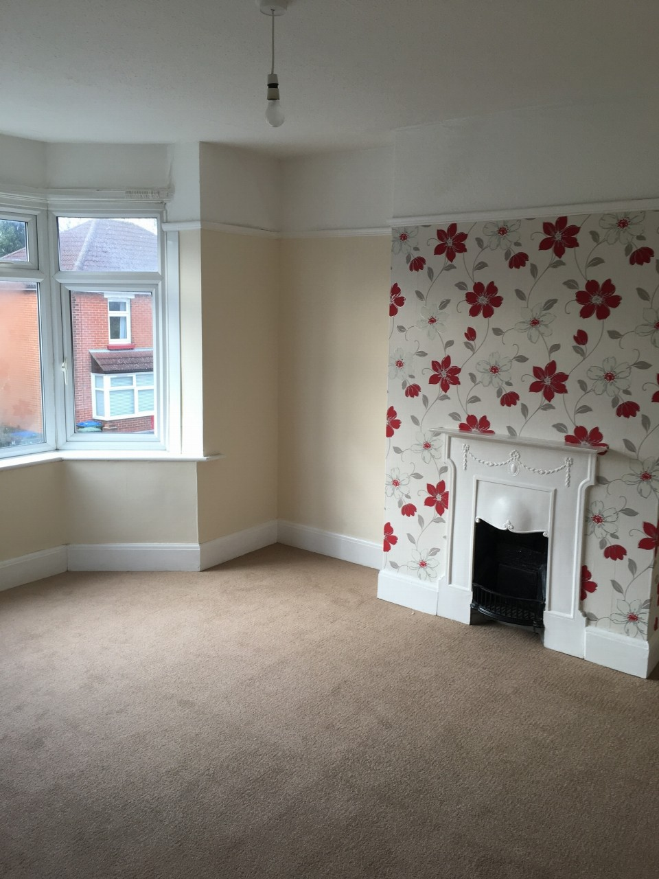 3 bedroom semi-detached house Reserved in Southampton - Photograph 8