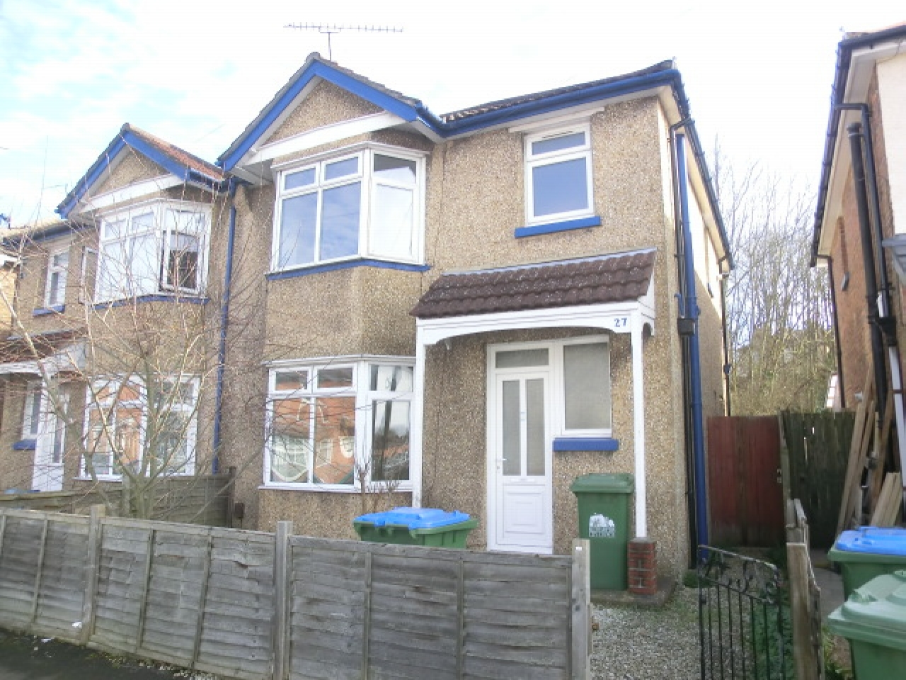 3 bedroom semi-detached house Reserved in Southampton - Photograph 1