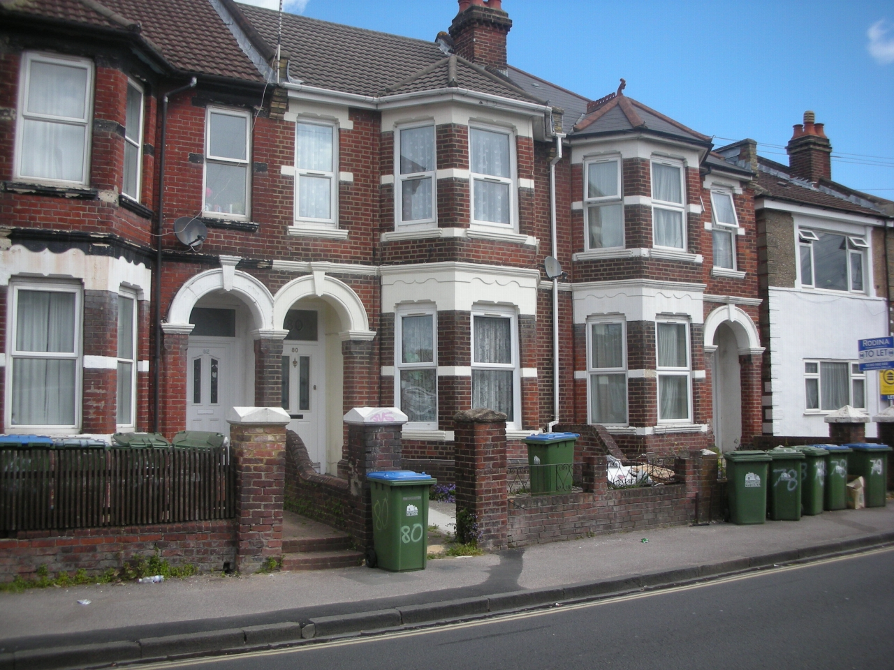 Bedsit Flat/apartment To Let in Southampton - Photograph 1