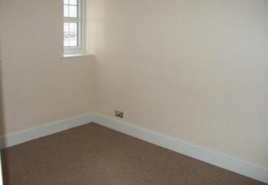 2 bedroom apartment flat/apartment To Let in Southampton - Property photograph