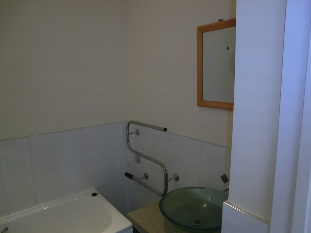 1 bedroom apartment flat/apartment Reserved in Southampton - Photograph 7