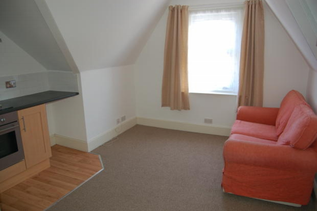 2 bedroom apartment flat/apartment Let in Southampton - Property photograph
