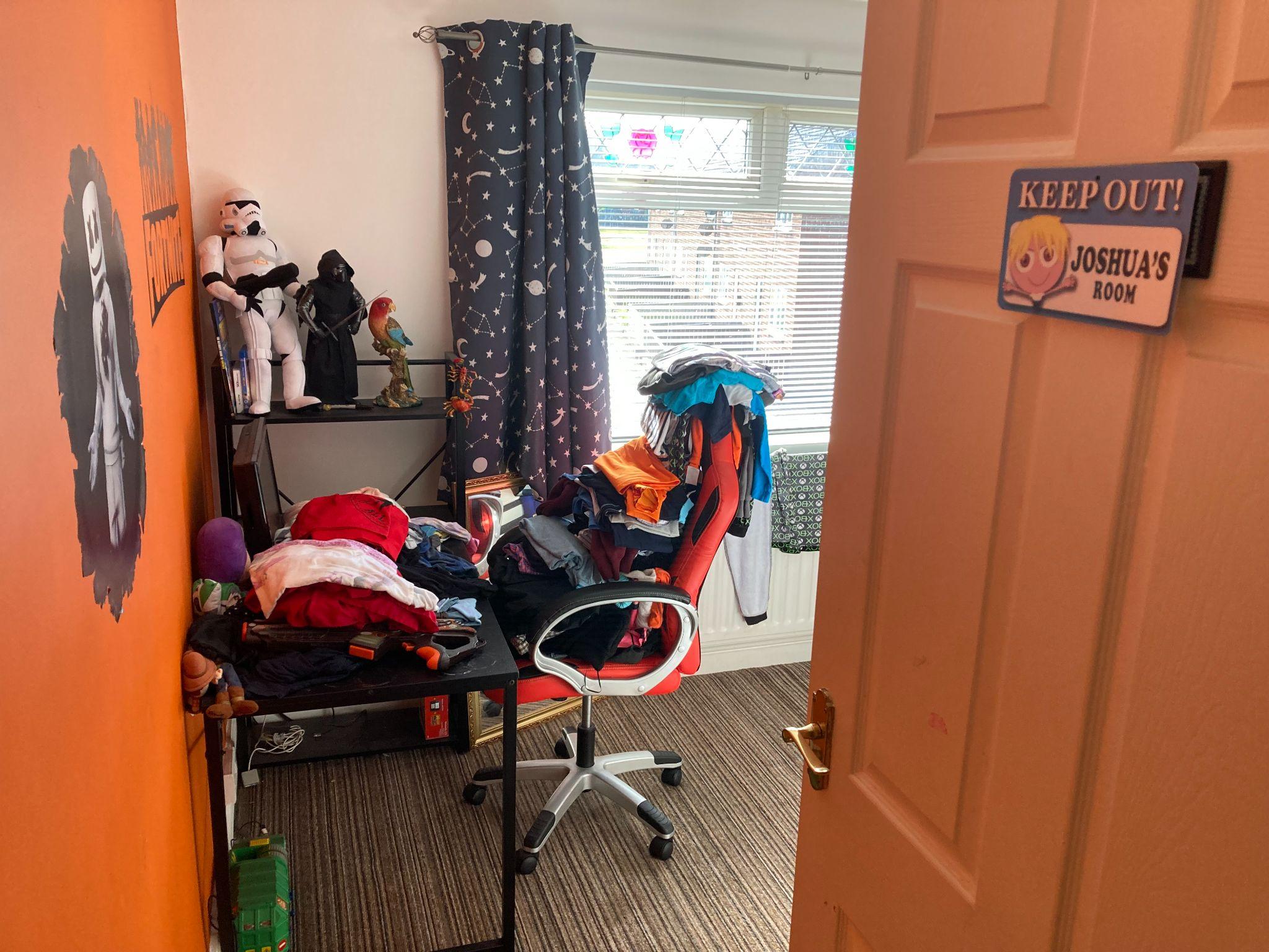 3 bedroom detached house Sale Agreed in Bishop Auckland - Bedroom 2.