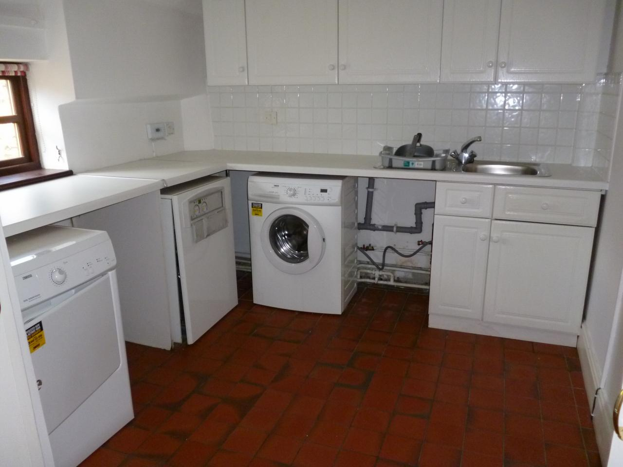 2 bedroom end terraced house Sale Agreed in Ferryhill - Photograph 7.