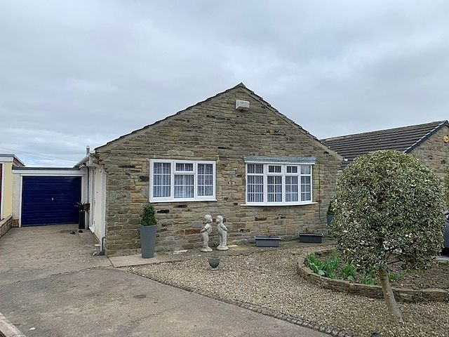 2 bedroom detached bungalow For Sale in Bishop Auckland - Property photograph.