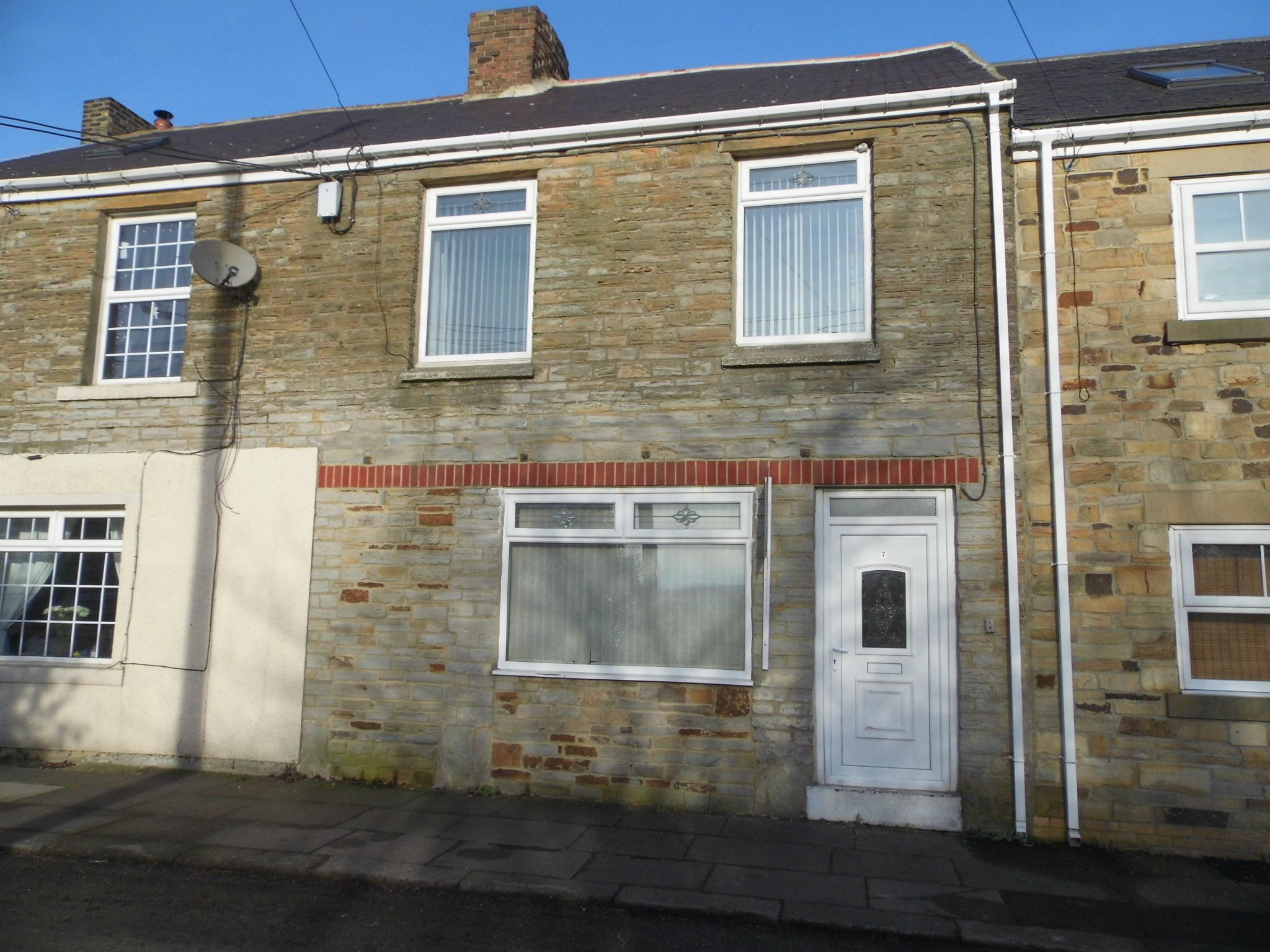 3 bedroom mid terraced house Sale Agreed in Quebec - Front Elevation.