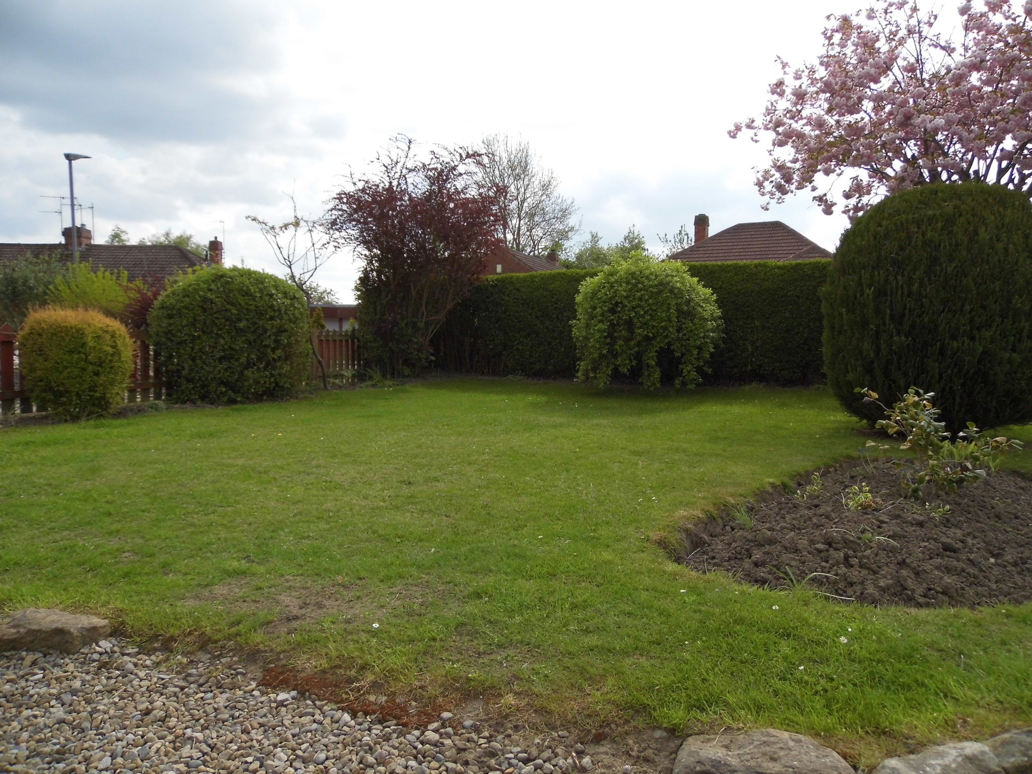 2 bedroom detached bungalow Sale Agreed in Shildon - Front Garden.