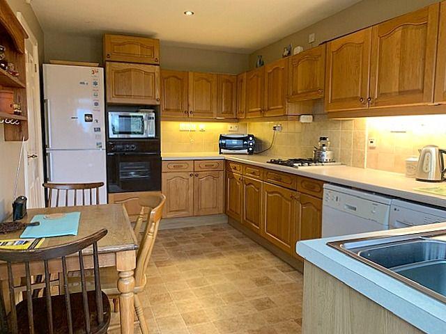3 bedroom detached bungalow Sale Agreed in Bishop Auckland - Breakfasting Kitchen.