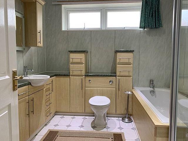 4 bedroom detached bungalow For Sale in Bishop Auckland - Bathroom.