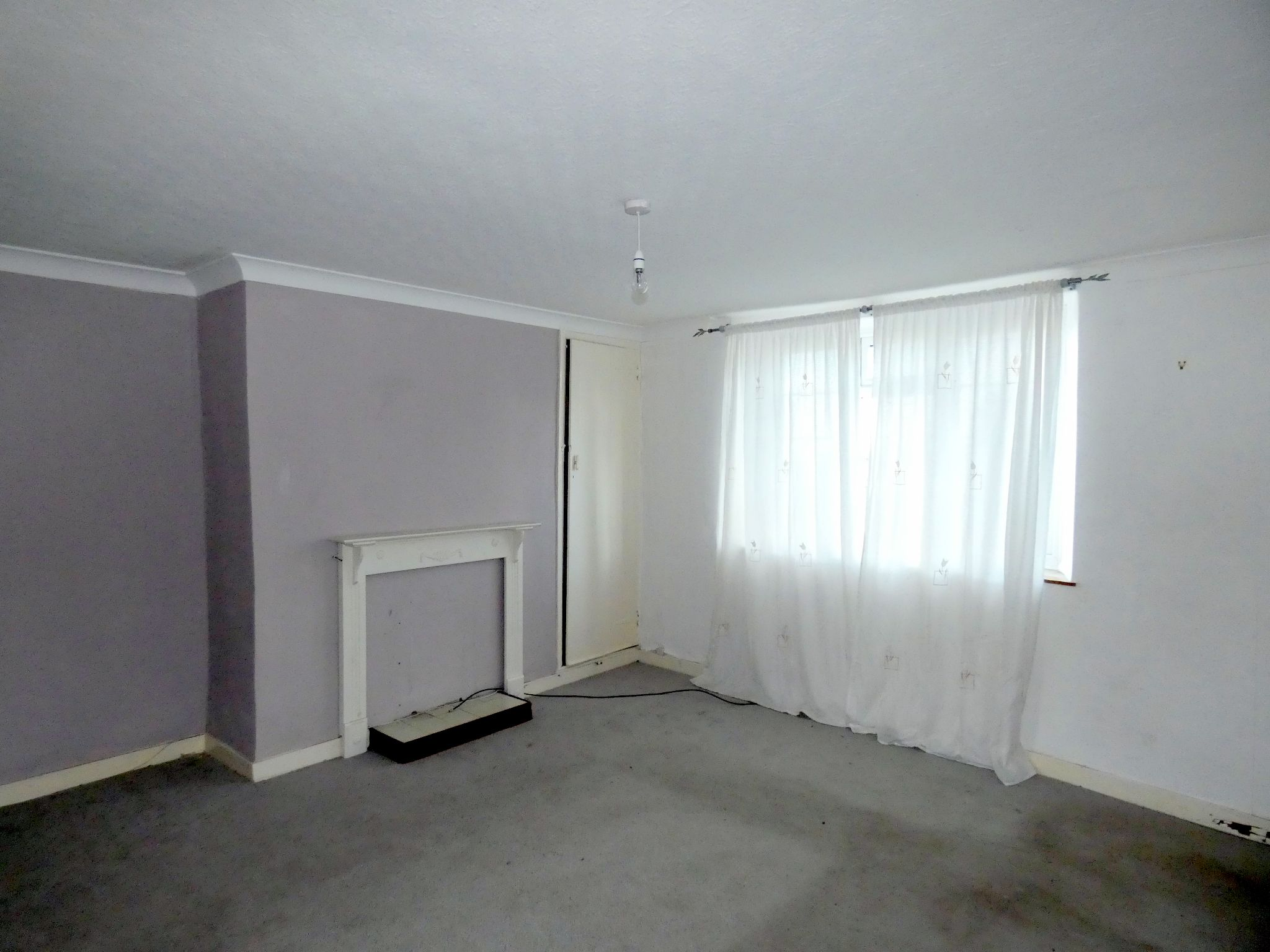 2 bedroom mid terraced house For Sale in Bishop Auckland - Living Room.