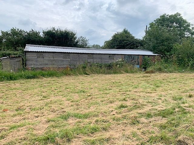 3 bedroom detached bungalow For Sale in Bishop Auckland - Outbuildings.