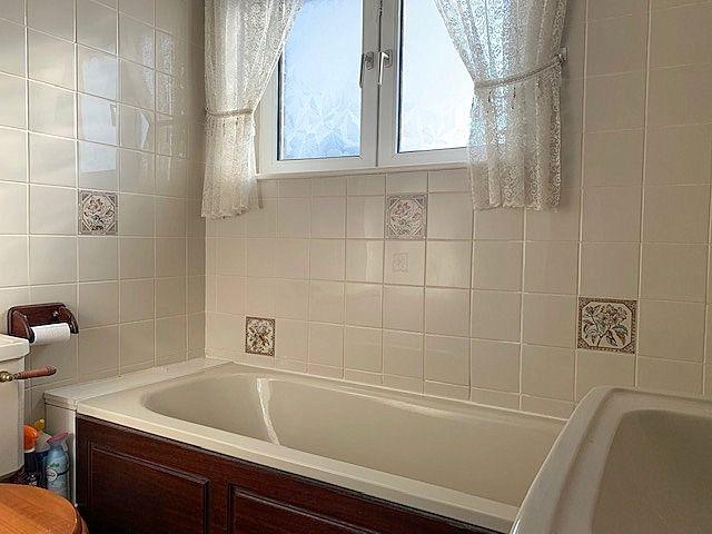 3 bedroom semi-detached house Sale Agreed in Shildon - Bathroom.