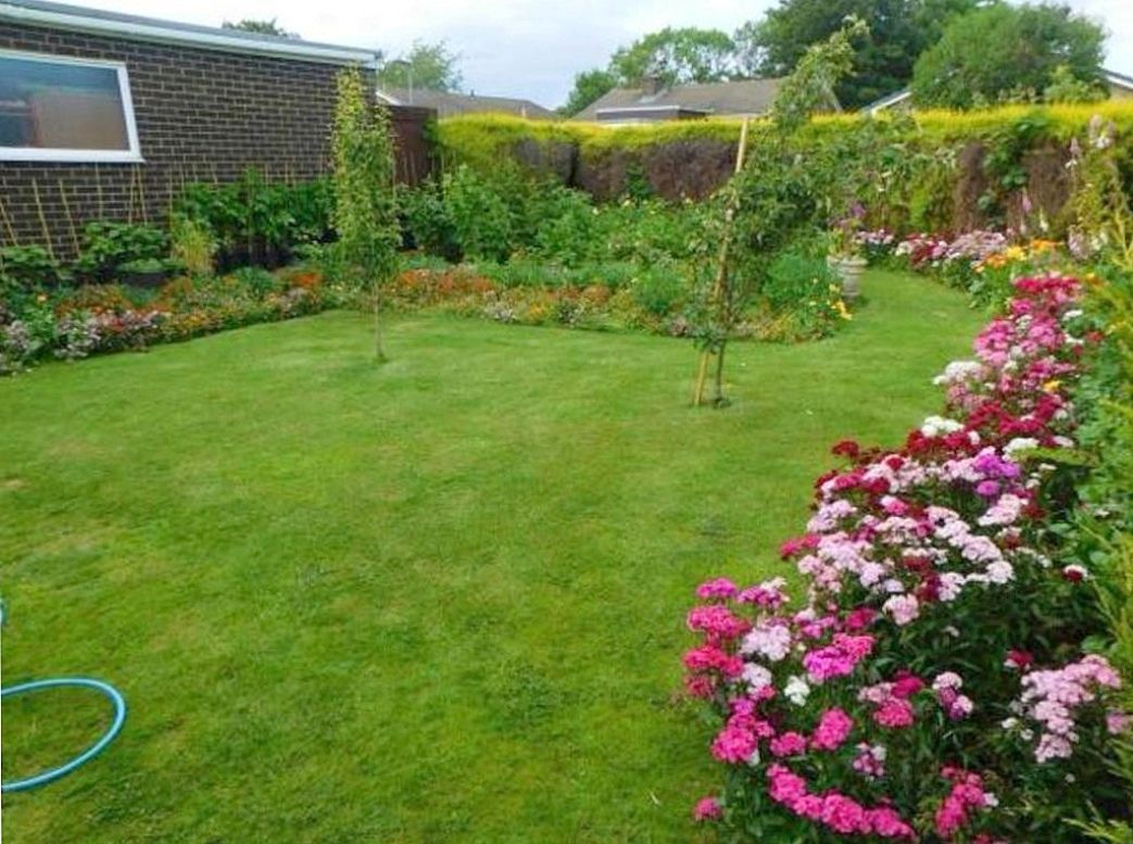 3 bedroom detached bungalow For Sale in Shildon - Photograph 2.